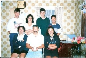 Tyrone, Desley, Soranya, Uncle Willie, Alick, Leini & Miki