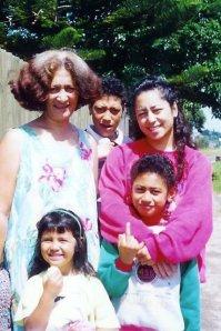 Aunty Anna, Hoki, Miki, Desley & Krit