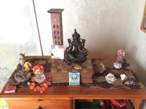 Aunty Anna's Hallway Shrine [Mamaku]